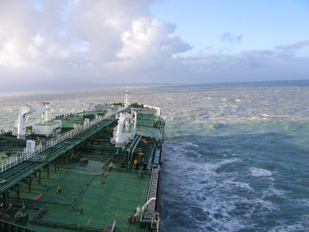An oil tanker journeys to Vald