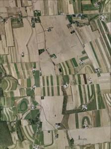 Aerial photo of farmland with few riparian buffers.
